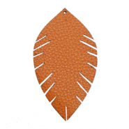 Faux leather pendants leaf medium Sequoia Brown