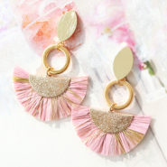 Inspirational Sets DIY: Summer-proof earrings with tassel charms