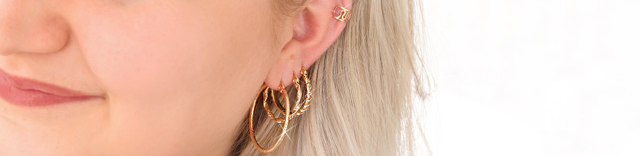 Shop here: trendy new earrings!